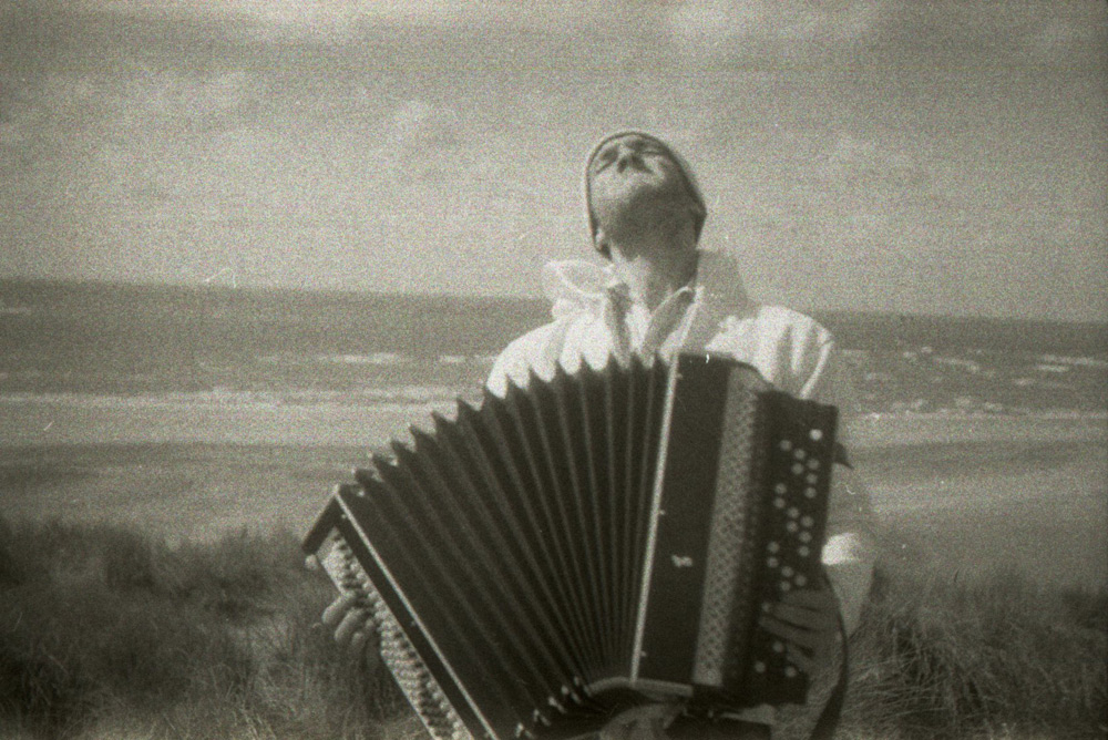 Rotterdam Beach Accordion